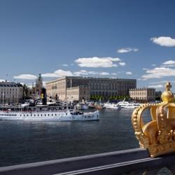 Das Königsschloss liegt im Herzen Stockholms. Das viele Wasser macht die schweidische Hauptstadt zu einem echten Wohlfühlort! © Ola Ericson/imagebank.sweden.se
