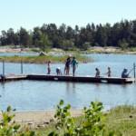 Der kleine Strand gehört mit zum schwedischen Gruppenhaus Ängskär. Gruppenhäuser und Freizeitheime in Schweden