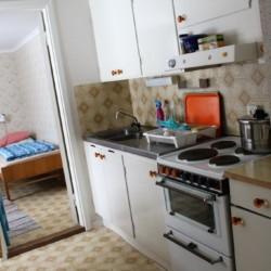 Wohnräume am Zeltplatz des schwedischen Freizeithauses Vallsnäs Unnaryd Camp am See.