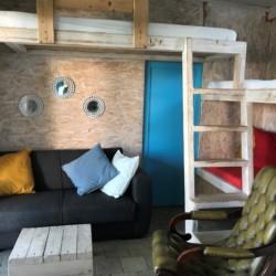 Kajütenhaus im griechischen Feriencamp Strandlodge direkt am Mittelmeer für Menschen mit Behinderung