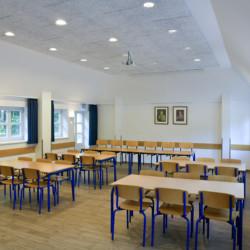 Speisesaal im deutschen Freizeitheim Tydal in Schleswig-Holstein