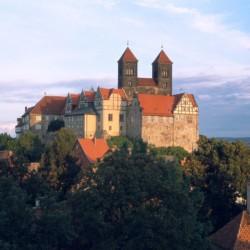 Quedlinburg zu erreichen vom Kinderfreizeitheim Forsthaus Eggerode im Harz in Deutschland