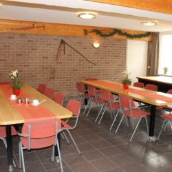 Der Speisesaal im niederländischen Gruppenhaus Kievitsnest in den Niederlanden.