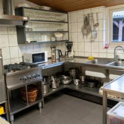 Die Küche im Gruppenhaus Kievitsnest in den Niederlanden.